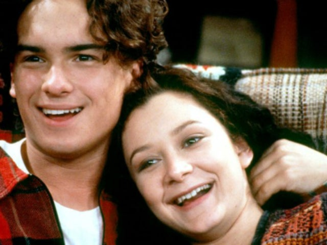 Johnny Galecki Shares First Set Photo of 'Roseanne'