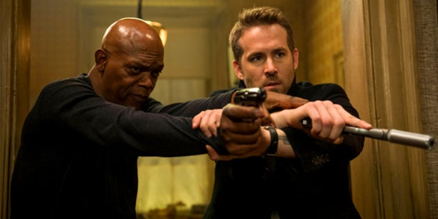 Ryan-Reynolds-Samuel-L-Jackson-The-Hitman's-Bodyguard-Summit-Entertainment-Jack-English-2017-fb