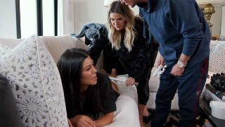 kourtney-kardashian-butt-massage-cellulite-kuwtk