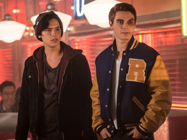 "'Riverdale' Recap With Spoilers: ""Chapter Fourteen: A Kiss Before Dying"""