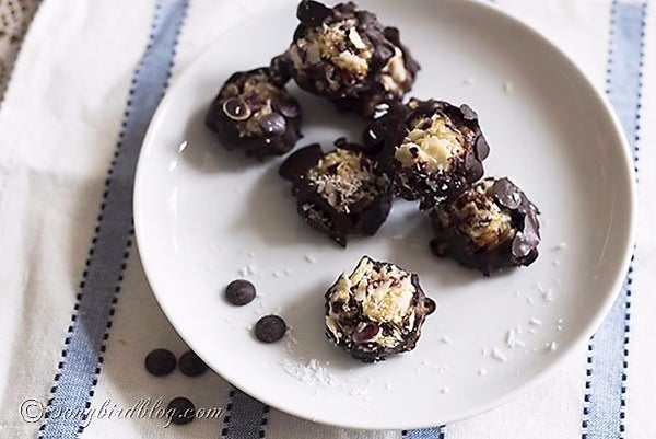 Almond-Coconut-Bites