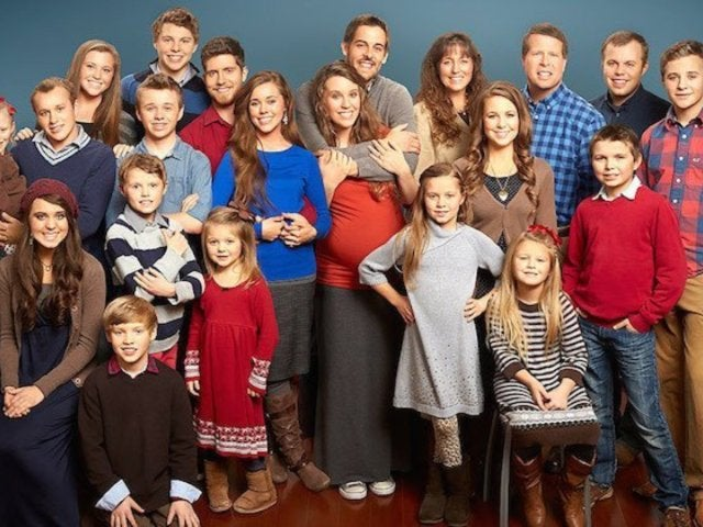 Fans Wonder Why Josh and Jill Aren't in the Duggar Family Photo