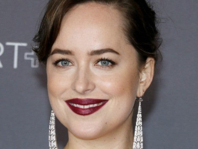 Dakota Johnson Watched Angelina Jolie Try to Ignore Jennifer Aniston at Golden Globes
