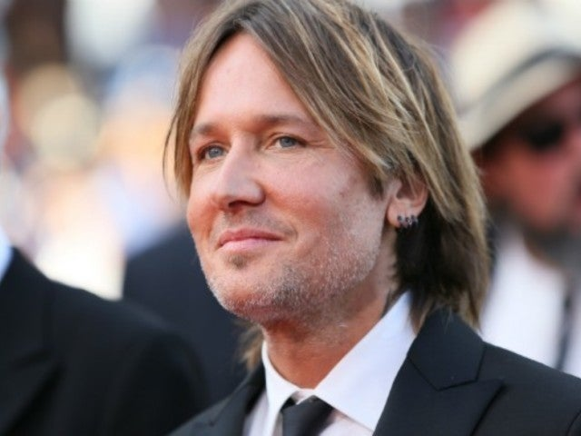 Watch Keith Urban Pay Tribute to Artists We Lost in 2017