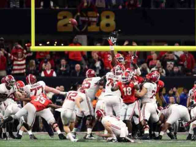 Twitter Freaks Out After Alabama Kicker Missing Game-Winning Field Goal