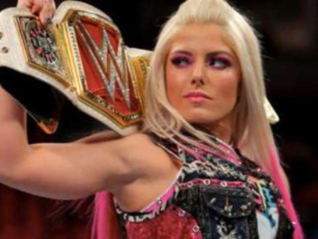 Alexa Bliss Gets Icy About Ronda Rousey Joining WWE