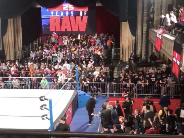 Poor RAW 25 Show has Manhattan Center Ready to Riot