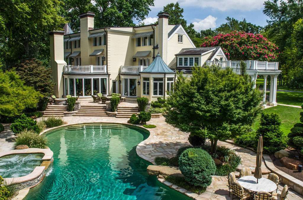 Gallery Reba Mcentire S Former Home Is Now A Luxury Event