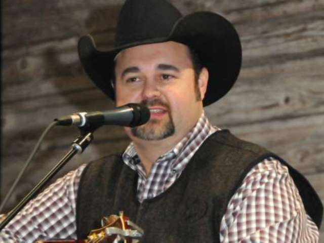 Country Stars Mourn Death of Singer Daryle Singletary