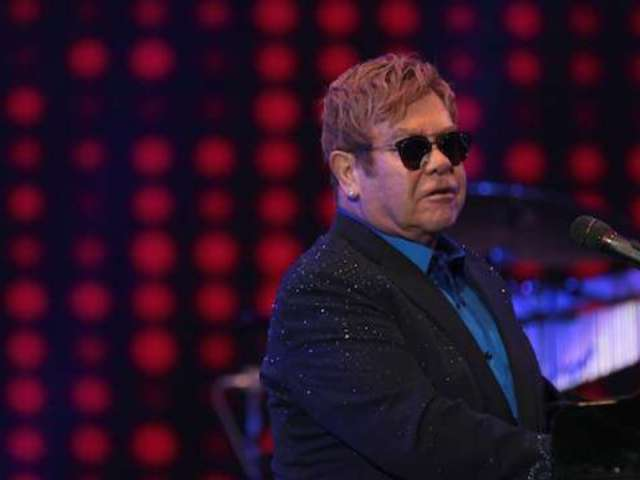 Elton John Stunned and Silenced After Getting Hit in Mouth by Mardi Gras Beads