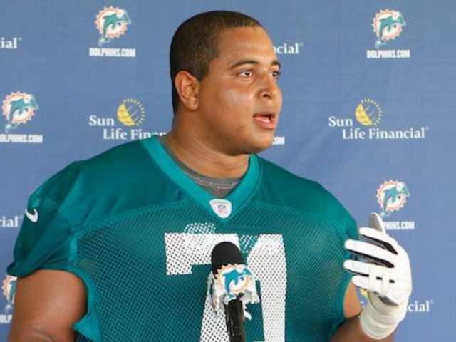 Former NFL Player Jonathan Martin Reportedly Had Gun in Possession When Detained by Police