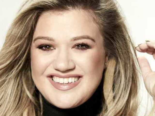 'The Voice' Fans 'Loving' Kelly Clarkson's Debut