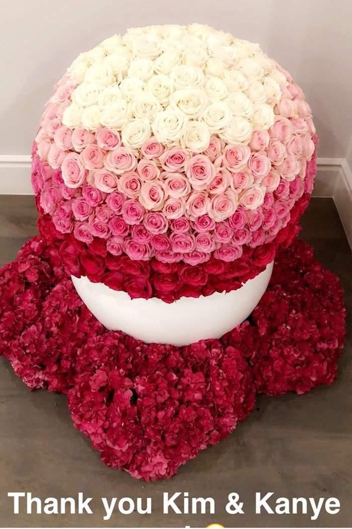 kylie-jenner-baby-stormi-flowers-kim-kardashian-kanye-west