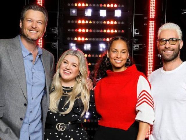 'The Voice' Coaches Poke Fun at Kelly Clarkson With '40-Year-Old Virgin' Reference