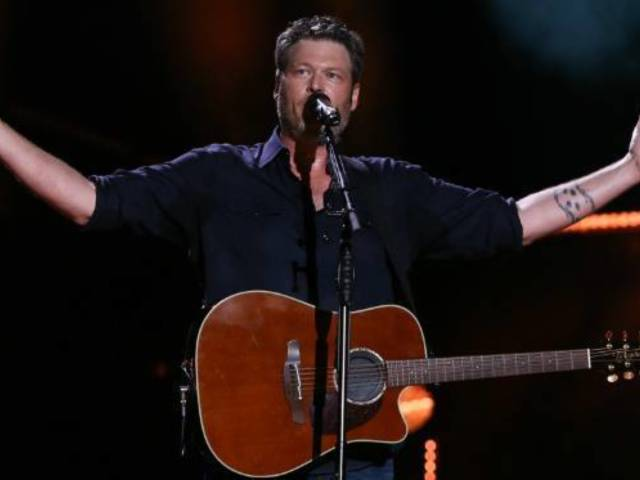 Blake Shelton Addresses 'Fake' News About Him in Tweet