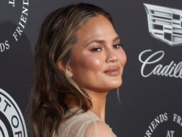 Chrissy Teigen Called out After Posting Nude Photo With Daughter Luna