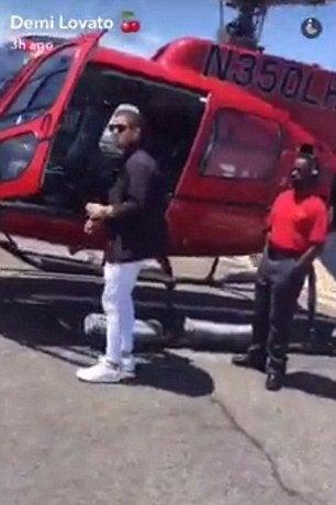 nick-jonas-demi-lovato-snapchat-helicopter