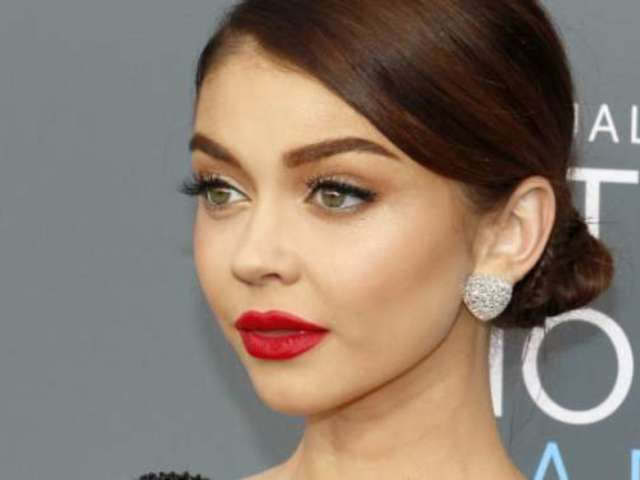 Sarah Hyland Calls out Thin-Shamers With Middle Finger Emoji
