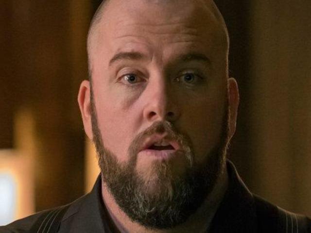 Chris Sullivan Filmed 'This Is Us' Wedding With Food Poisoning
