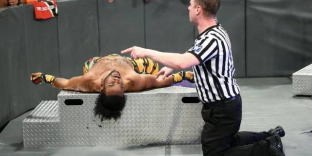 Xavier Woods Injuy WWE Fastlane