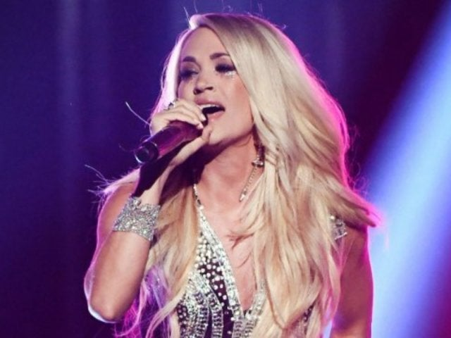 Carrie Underwood Fans Ask for Her Legs in Fawning Tweets