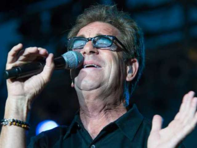 Huey Lewis Cancels All Tour Dates Following Recent Medical Diagnosis