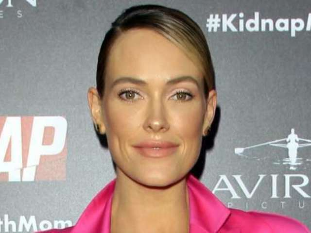 'DWTS' Fan Favorite Peta Murgatroyd Returns to the Stage in New Post