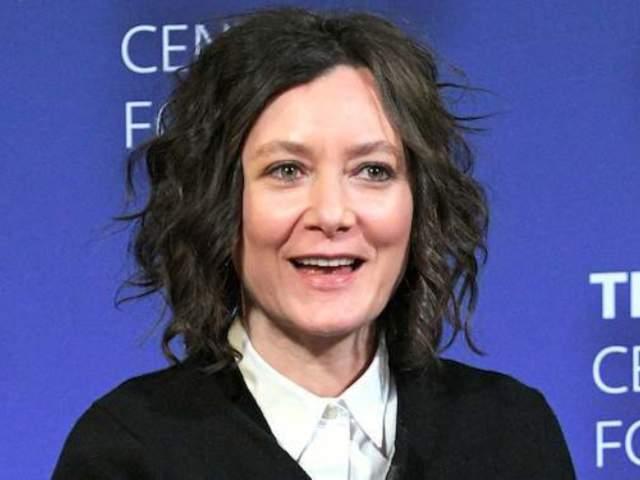 Watch 'The Talk' Host Sara Gilbert Address 'Roseanne' Cancellation