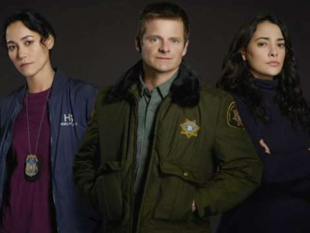 'The Crossing' Viewers Love the High-Concept Sci-Fi Series So Far