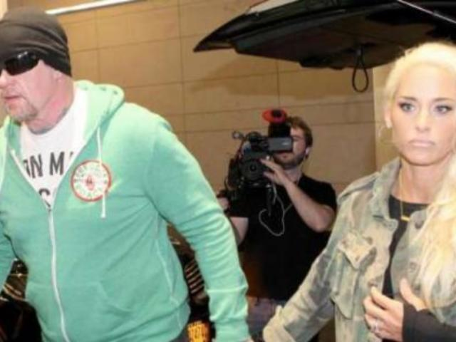 Michelle McCool Locates The Undertaker Just in Time for WrestleMania