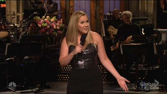 Amy Schumer Jokes About Chris Fischer's ''Worthless'' Proposal on Saturday Night Live