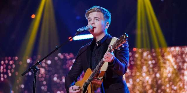 'American Idol' Contestant Makes Major Mistake During Finale Performance