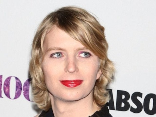 Chelsea Manning Concerns Friends and Family With 'Suicide' Photo From Ledge
