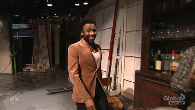 Donald Glover's Lando Calrissian sings of space love on SNL