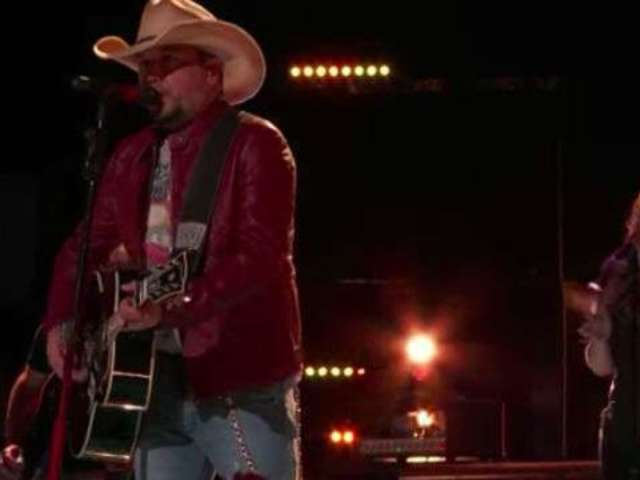Watch Jason Aldean Perform 'Drowns the Whiskey' on 'The Voice'