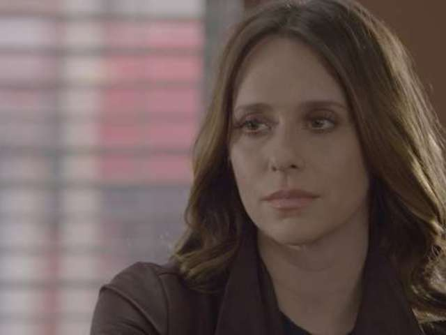 Jennifer Love Hewitt Joins '9-1-1' Cast for Season 2 at Fox
