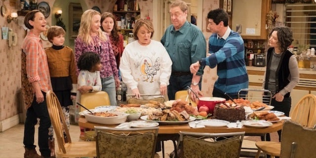 roseanne-family-dinner