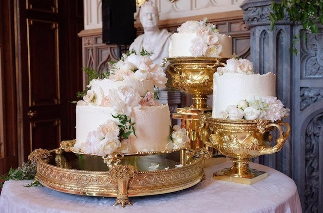 First Look At Prince Harry And Meghan Markle S Wedding Cake