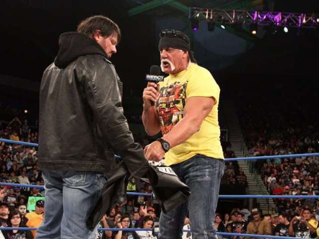 Hulk Hogan Gives AJ Styles the Ultimate Compliment