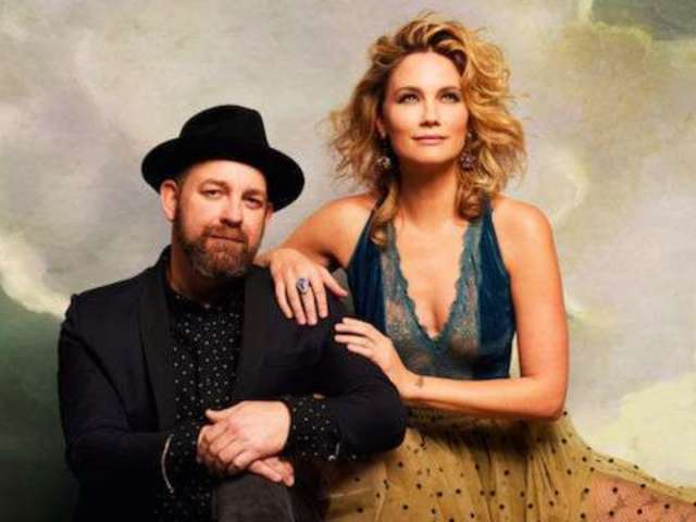 Sugarland Drops 'Mother' Track in Honor of Mother's Day