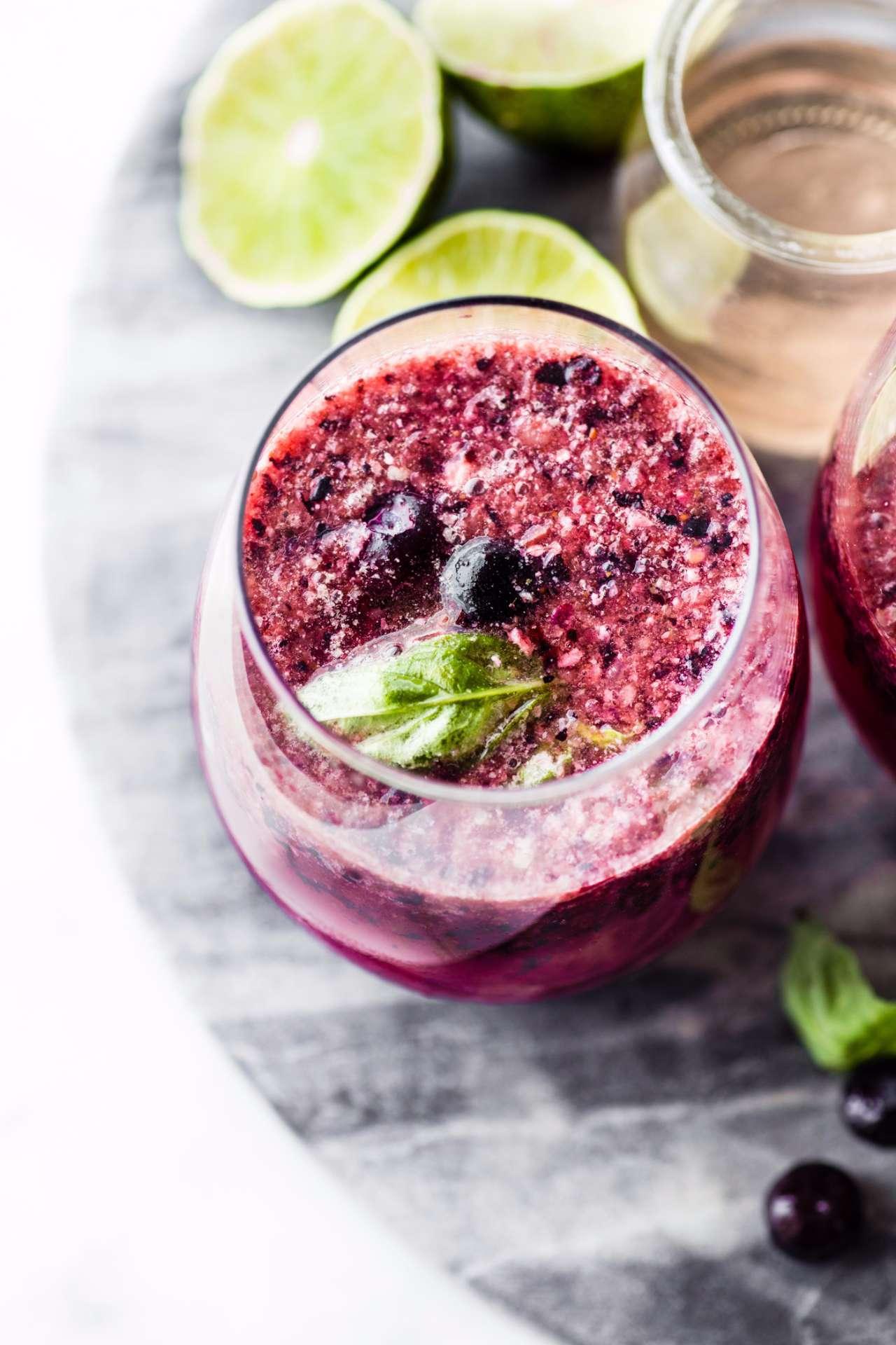 berry-froze-wine-slushie-cocktail-3