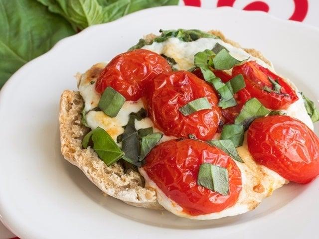 Recipe: Mini Caprese Pizzas