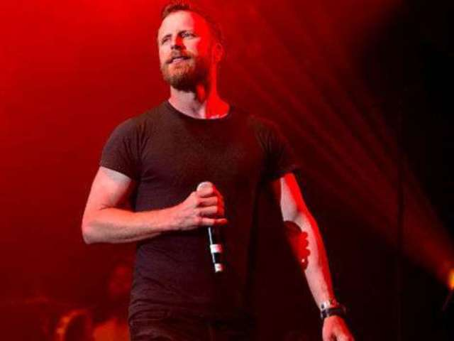 Dierks Bentley Proud to Be a Tour Bartender on the Road