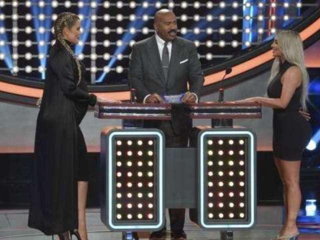 Fans Notice Kim Kardashian and Khloe Kardashian Fighting During 'Celebrity Family Feud'