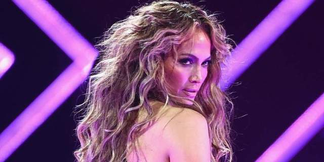 jennifer-lopez-getty-sb