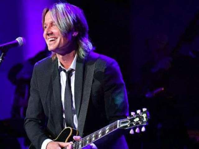 Keith Urban Recalls His 'Tragic' First Visit to Nashville