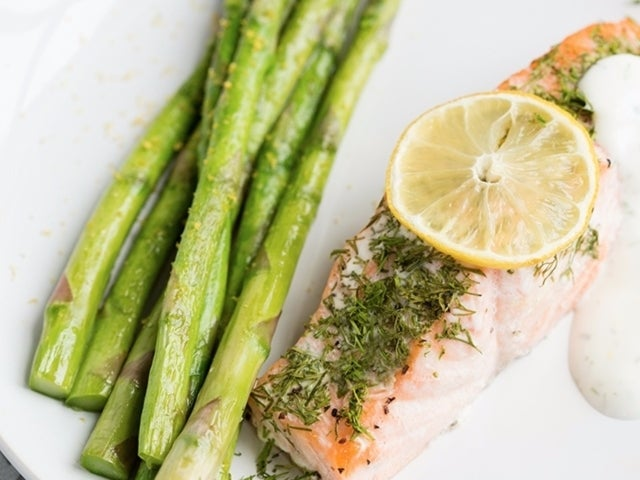Recipe: Lemon and Dill Poached Salmon with Asparagus
