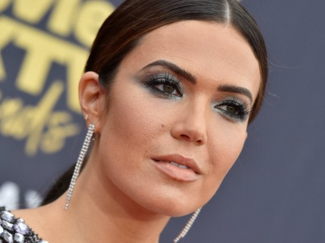Mandy Moore Reveals Video of Herself Getting a Mold Made of Her Face