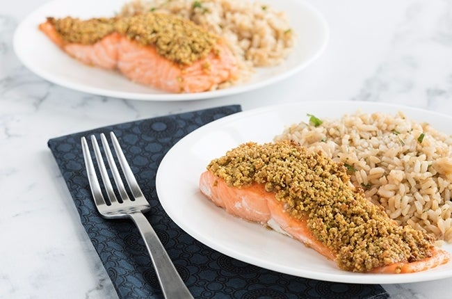 Pistachio-Crusted-Salmon-with-Cilantro-Lime-Rice_RESIZED-12 (1)