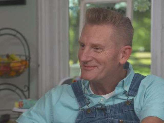 Rory Feek Admits to Mixed Emotions With Daughter's Lesbian Relationship